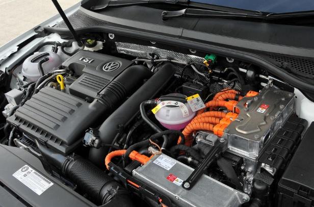 Volkswagen Passat GTE 2016 LATEST MACHINE