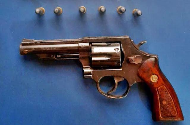 PM prende homem e apreende arma de fogo e munições em área rural de Palmital