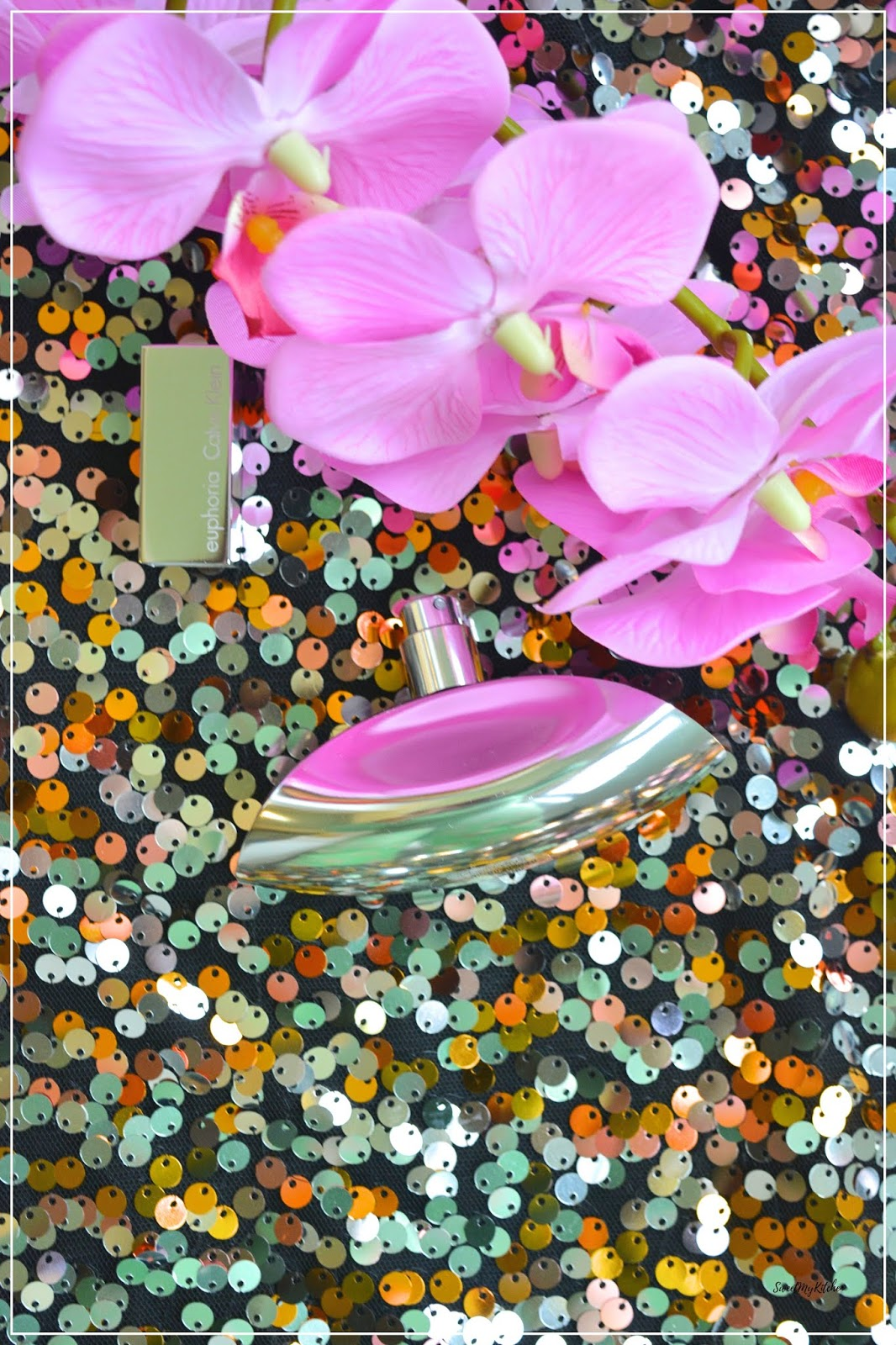 Calvin Klein Euphoria perfume bottle