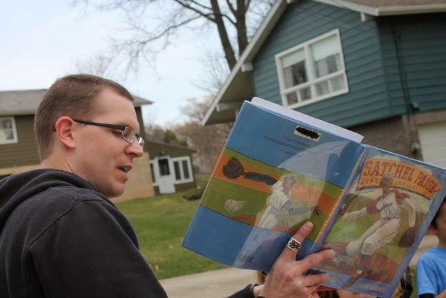 Little Free Library Story Time via www.happybirthdayauthor.com