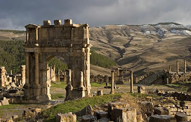 antiga cidade fantasma romana de Timgad