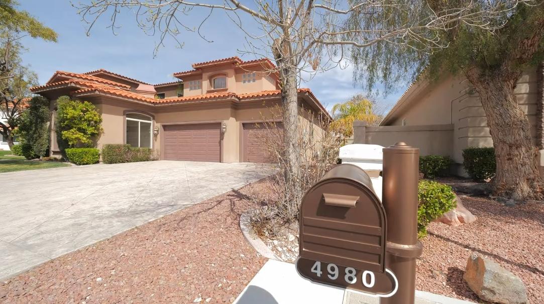 16 Interior Design Photos vs. Tour 4980 Mountain Creek Dr, Las Vegas, NV