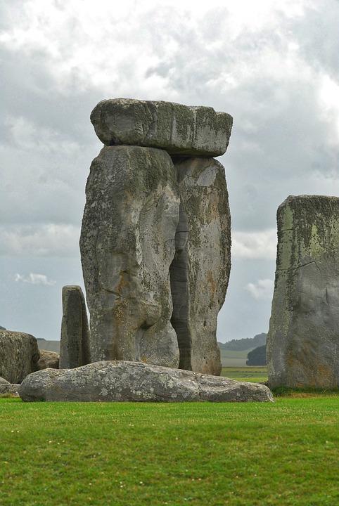 stonehenge, uk city breaks