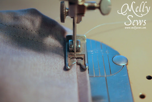 How to align your needle to Sew a Blind Hem with your Sewing Machine - Melly Sews