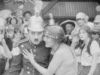 "Кадр из фильма Чарли Чаплина ""Пародия на Кармен"" / Burlesque on Carmen (1916) - 8"