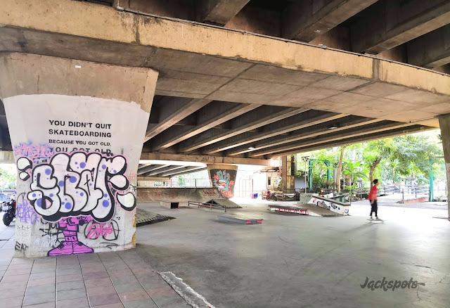 Pink skatepark Bangkok Somdet Saranrat Maneerom