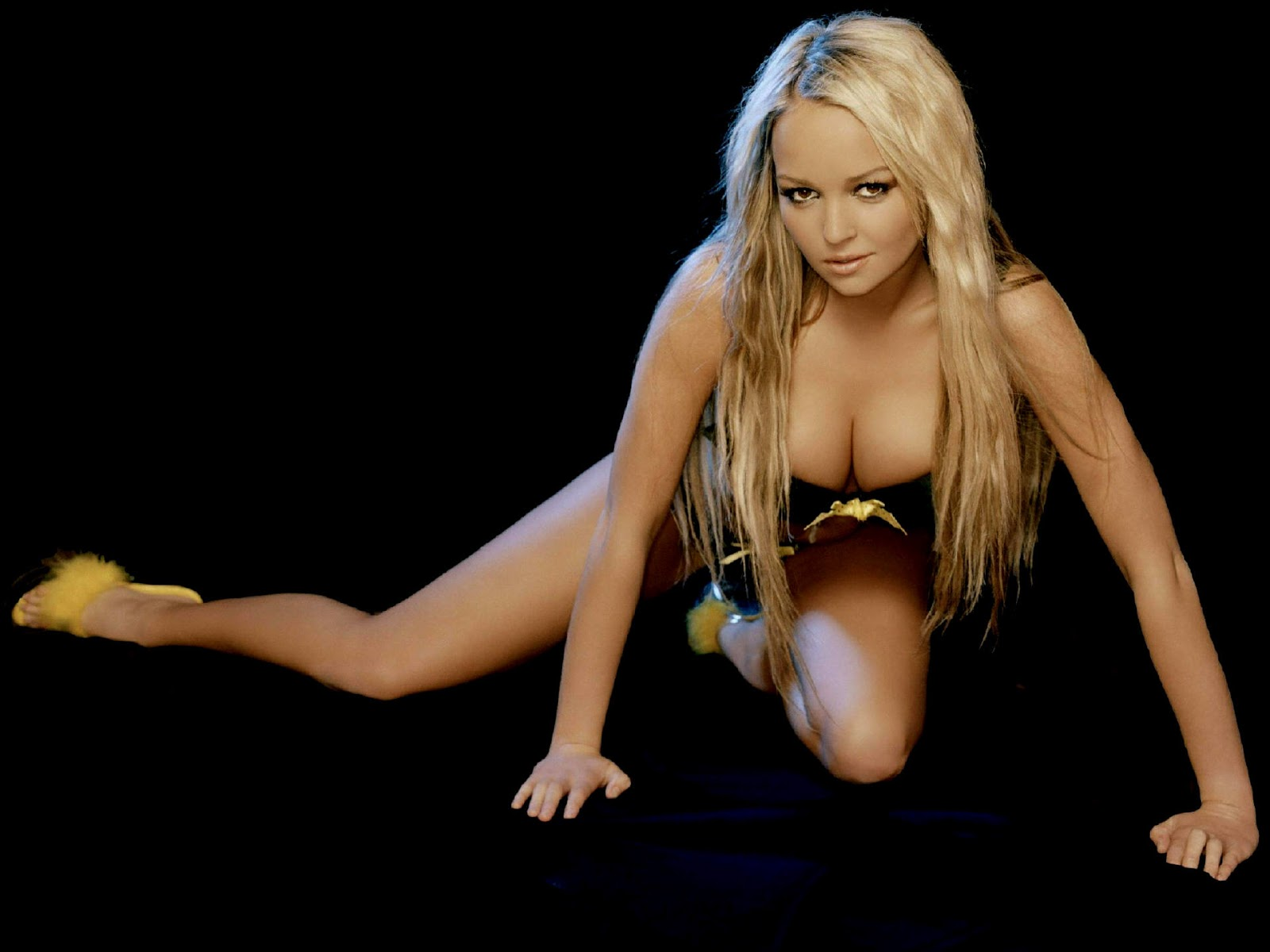 Jennifer ellison exotic nude breasts and lovely ass