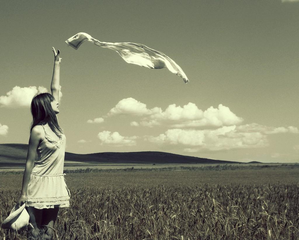 Tâm sự về tình bạn và tình yêu dễ mất, tình yêu không chung thủy, mối quan hệ chia ly, không gì là mãi mãi, mãi mãi bạn sẽ là người cô đơn,