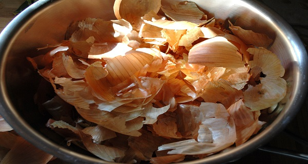 After Reading This You'll Never Throw Onion Skin Away Ever Again!