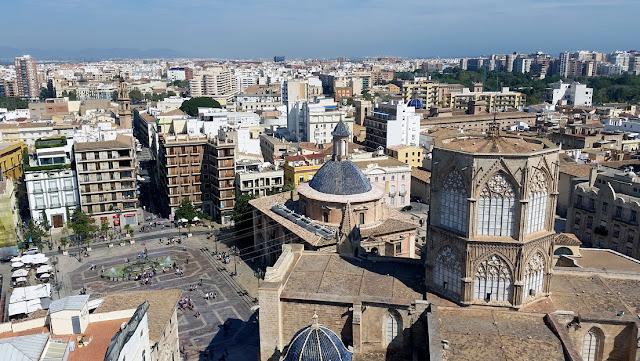 El Gobierno de Valencia se interpone en una venta a fondos buitre y se queda con 218 viviendas de un banco