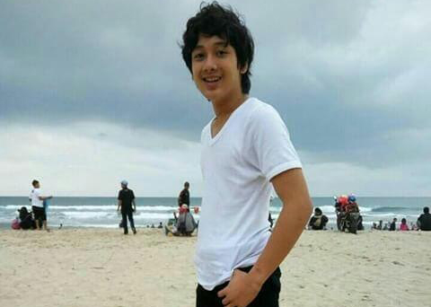 Johfi Syazeli Di Pantai