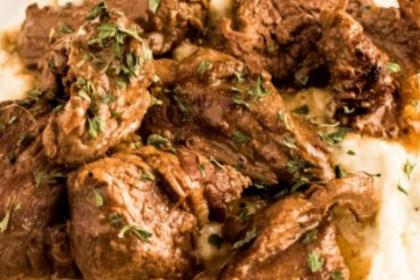 Beef Tips & Gravy over Cauliflower Mash