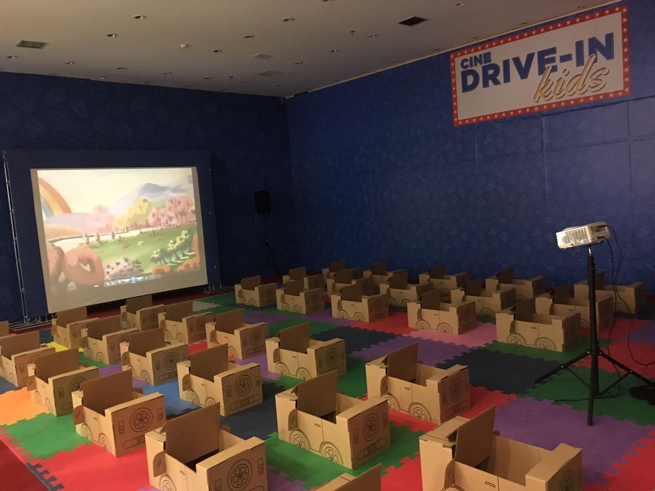 """28b1a38bde804 """"O Cine Drive-in Kids traz um clima de nostalgia para os pais e de diversão  para as crianças"""