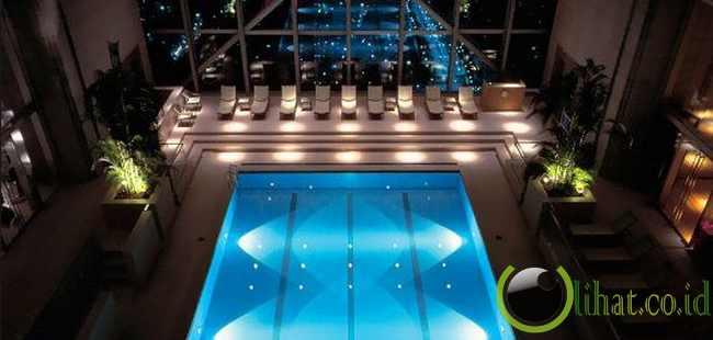 Atrium Pool di Park Hyatt, Tokyo, Jepang