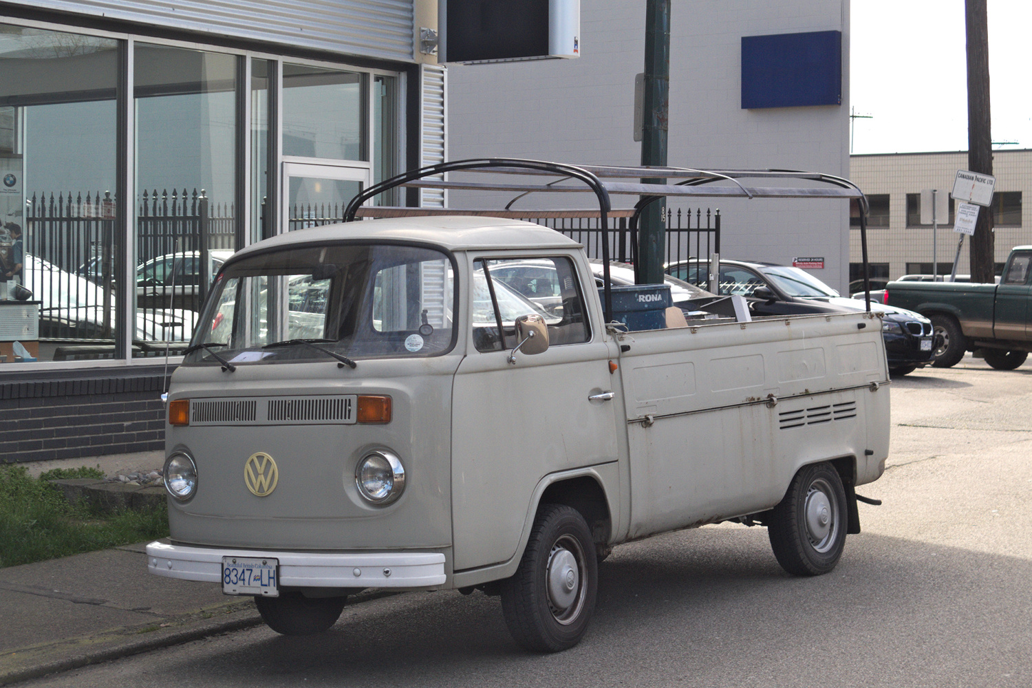 old parked cars vancouver 1975 volkswagen type 2 pickup. Black Bedroom Furniture Sets. Home Design Ideas