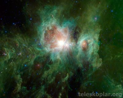 Yeşil başlıklı nebula fotoğrafı
