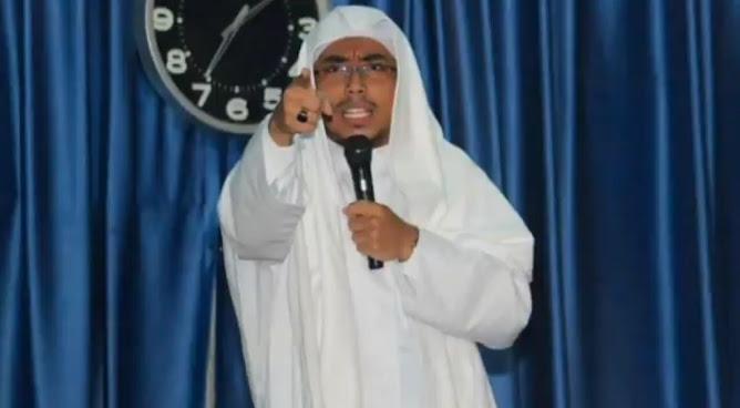 ustadz maaher at-thuwailibi ditangkap polisi