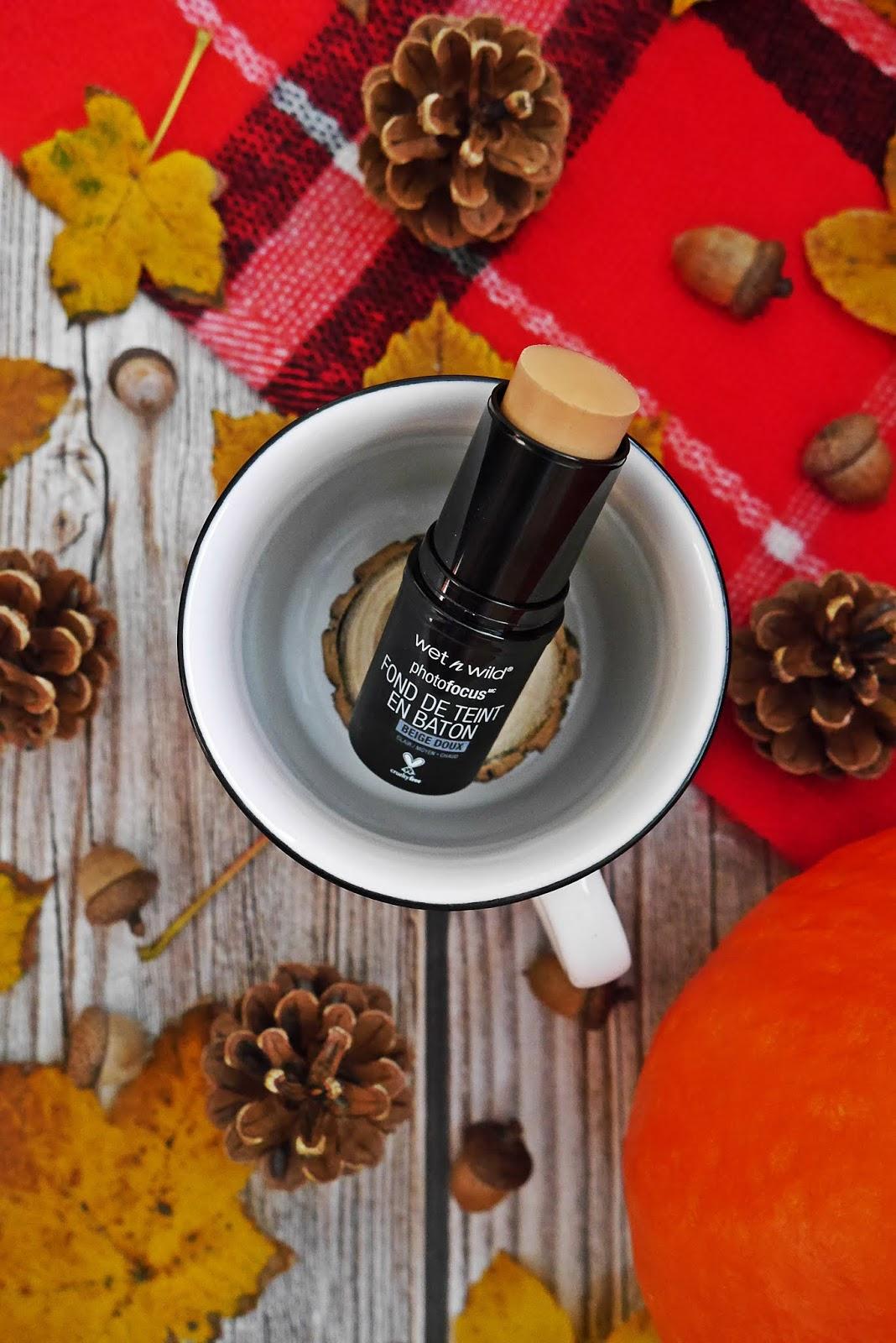 Wet n wild kosmetyki bronzer pomadka podkład w sztyfcie cień do powiek tusz do rzęs karyn blog modowy blogerka modowa urodowa puławy