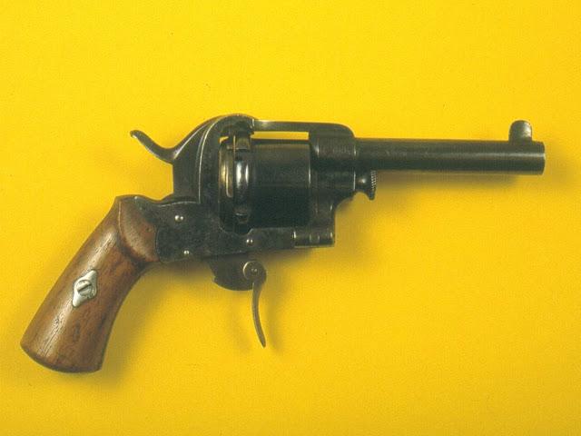 Revolver Guerriero