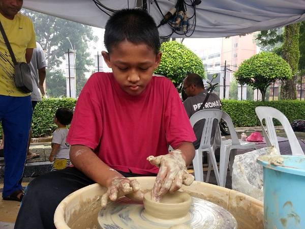 aktiviti yang ada di 1Mcat Art Bazaar Event Balai Seni Visual Negara