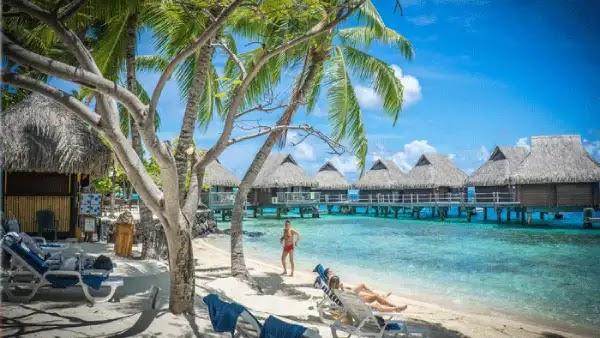 جزيرة بورا بورا الفرنسية  افضل مكان لقضاء عطلة الزوجين شهر العسل