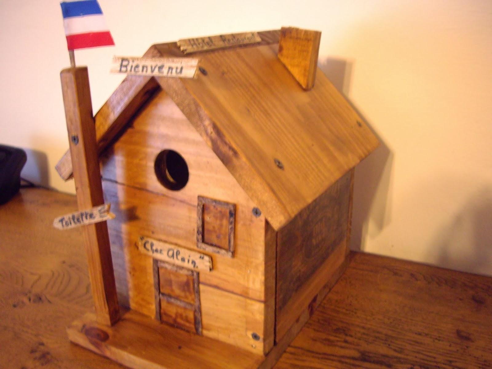 Objets d co tutoriels et meubles en bois de palettes for Objet deco pour bahut