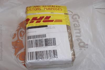 Kiriman dari Jepang menggunakan jasa DHL