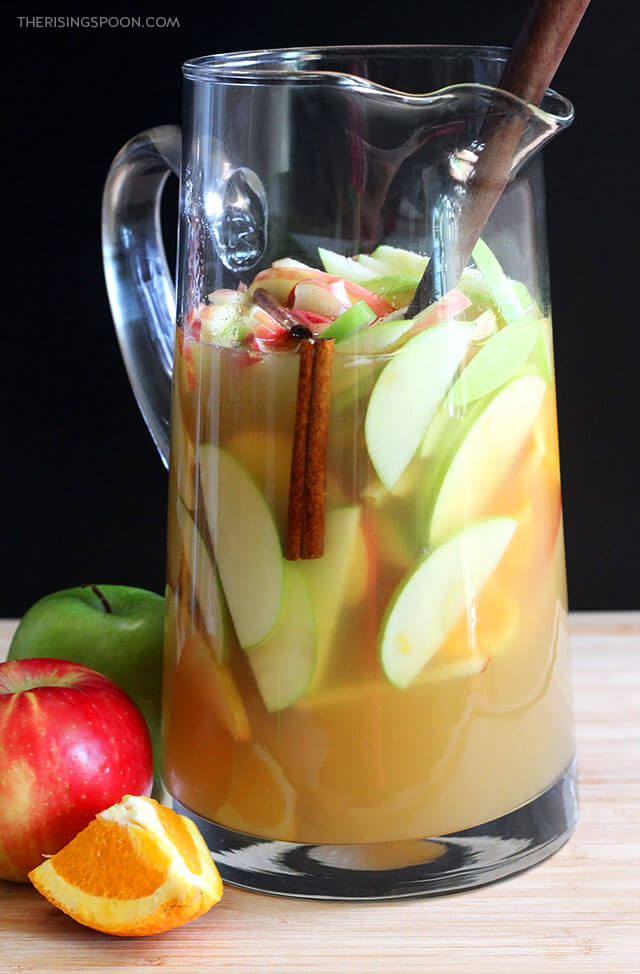 White Wine Apple Cider Sangria (Easy Cocktail For Halloween, Thanksgiving & Christmas)