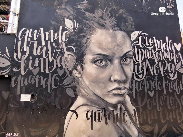 Close-up do Grafite Mulher (Quando) - Vila das Cores - Vila Mariana - São Paulo
