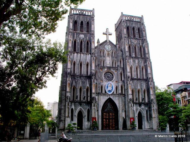 CATEDRAL DE SAN JOSÉ. HANOI, VIETNAM