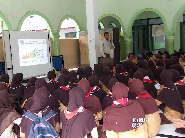 Rumah Belajar Genius Training Motivasi Siswa MTsN 1 Probolinggo