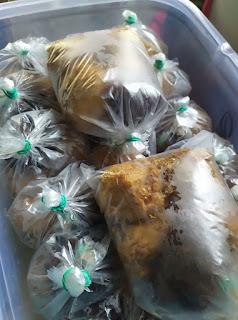 Bergedil tauhu saiz besar harga rm2.50 sebungkus di pekan Beruas Perak