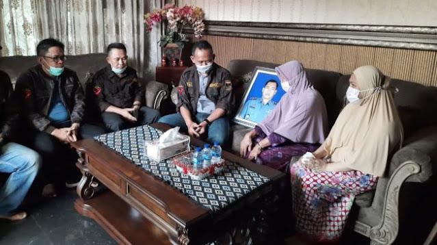 Sempat Tolak Karangan Bunga, Kini Keluarga Komandan KRI Nanggala-402 Ikhlas