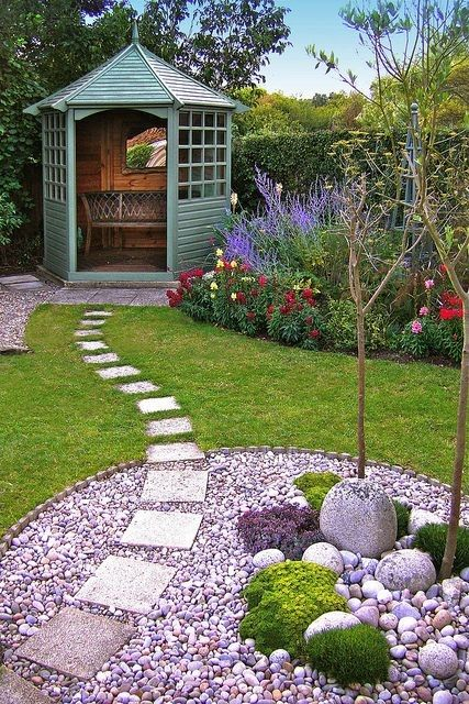 The 10 best tips for garden design in a rustic country cottage