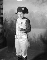 Чаплин в роли Наполеона - 5