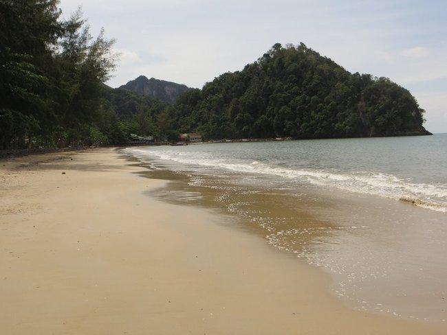 Пустой пляж Ао Нанг