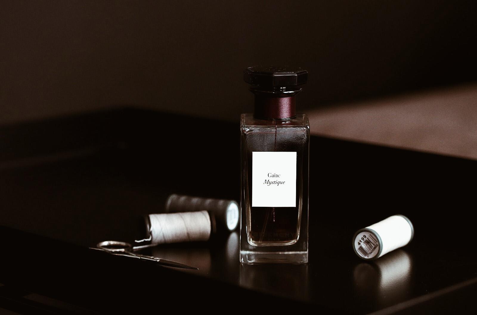 givenchy l'atelier parfums de niche avis test critique ambre tigré ylang austral immortelle tribal chypre caresse gaiac mystique avis