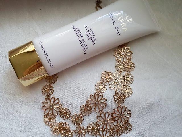 http://www.cosmeticsreviews.pl/2017/10/royal-jelly-mleczko-oczyszczajace.html