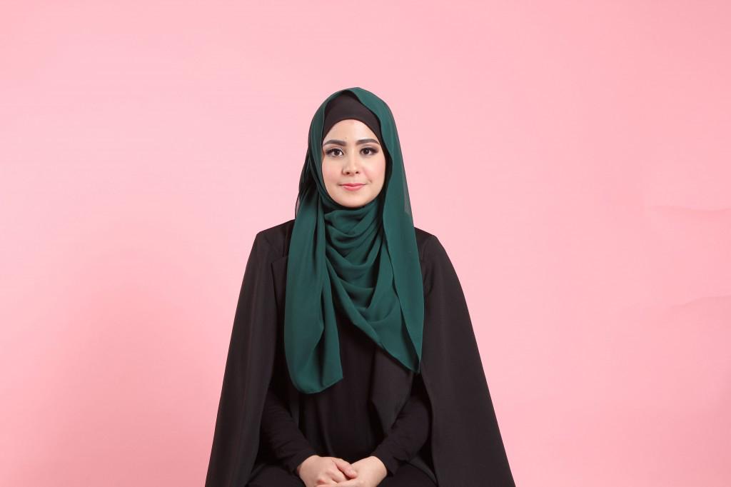 siapa yang sering menampilkan hijab sederhana ini