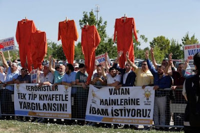 """President Erdogan supporters: """"We want the death penalty"""""""