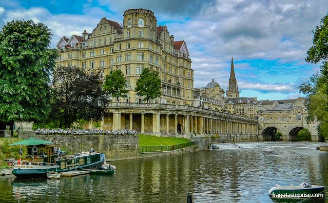 Parade Green, parque às margens do Rio Avon, em Bath, Inglaterra