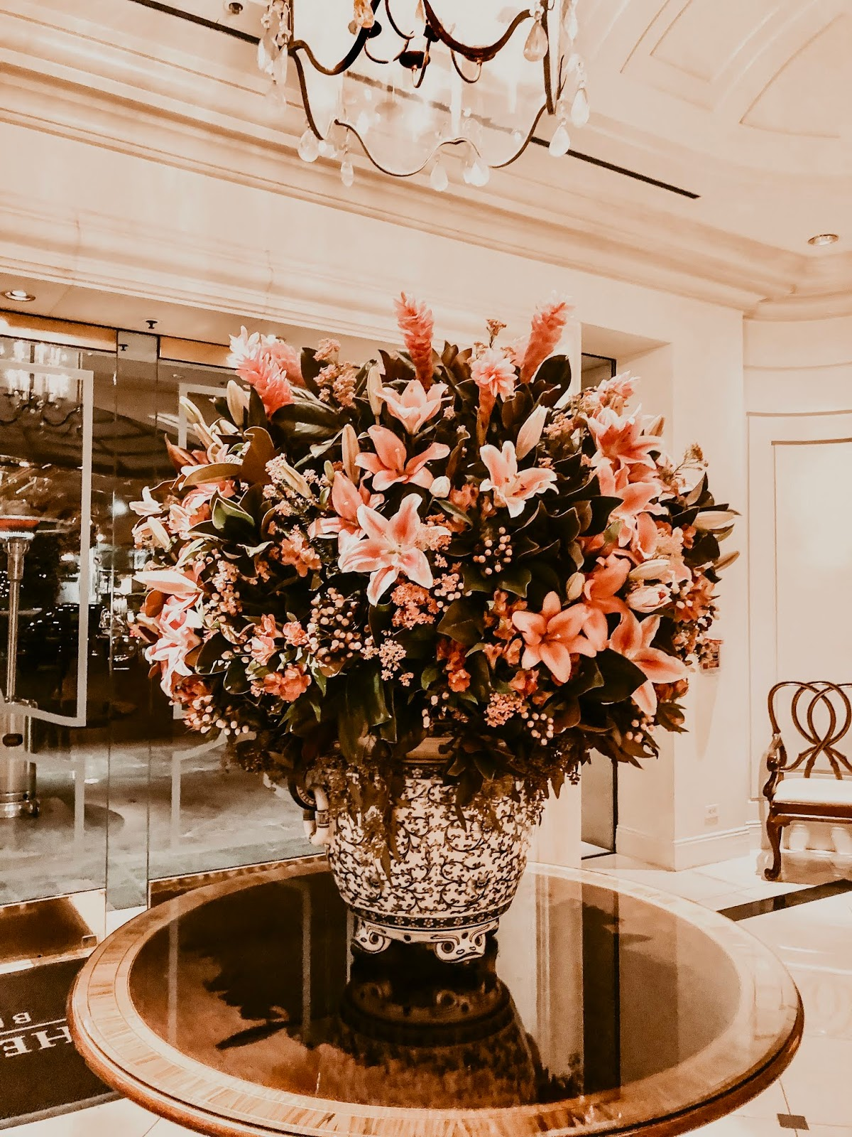 peninsula-hotel-beverly-hills-california-hallway-flower-arrangement-five-things-friday-favorite-links-around-the-web