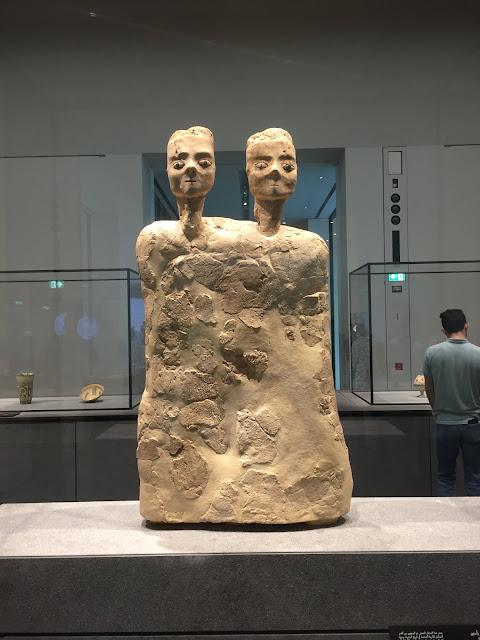 Estatua con dos cabezas - Jordan, Ain Ghazal - 6500 AC