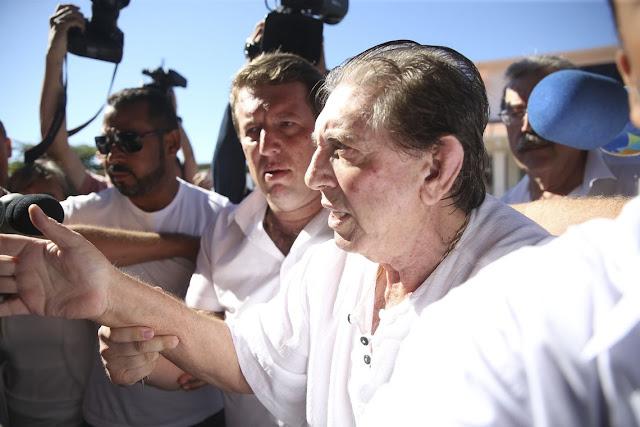 Após determinação do STJ, João de Deus é transferido para hospital