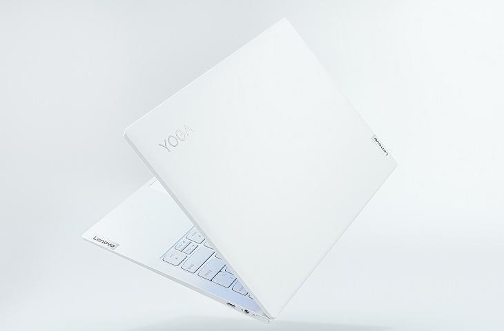 Desain Lenovo Yoga Slim 7i Carbon