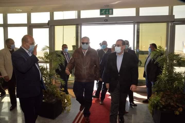 زيارة وزير البترول لمحافظة أسيوط  لتفقد اكبر مشروع لتكرير البترول في الصعيد