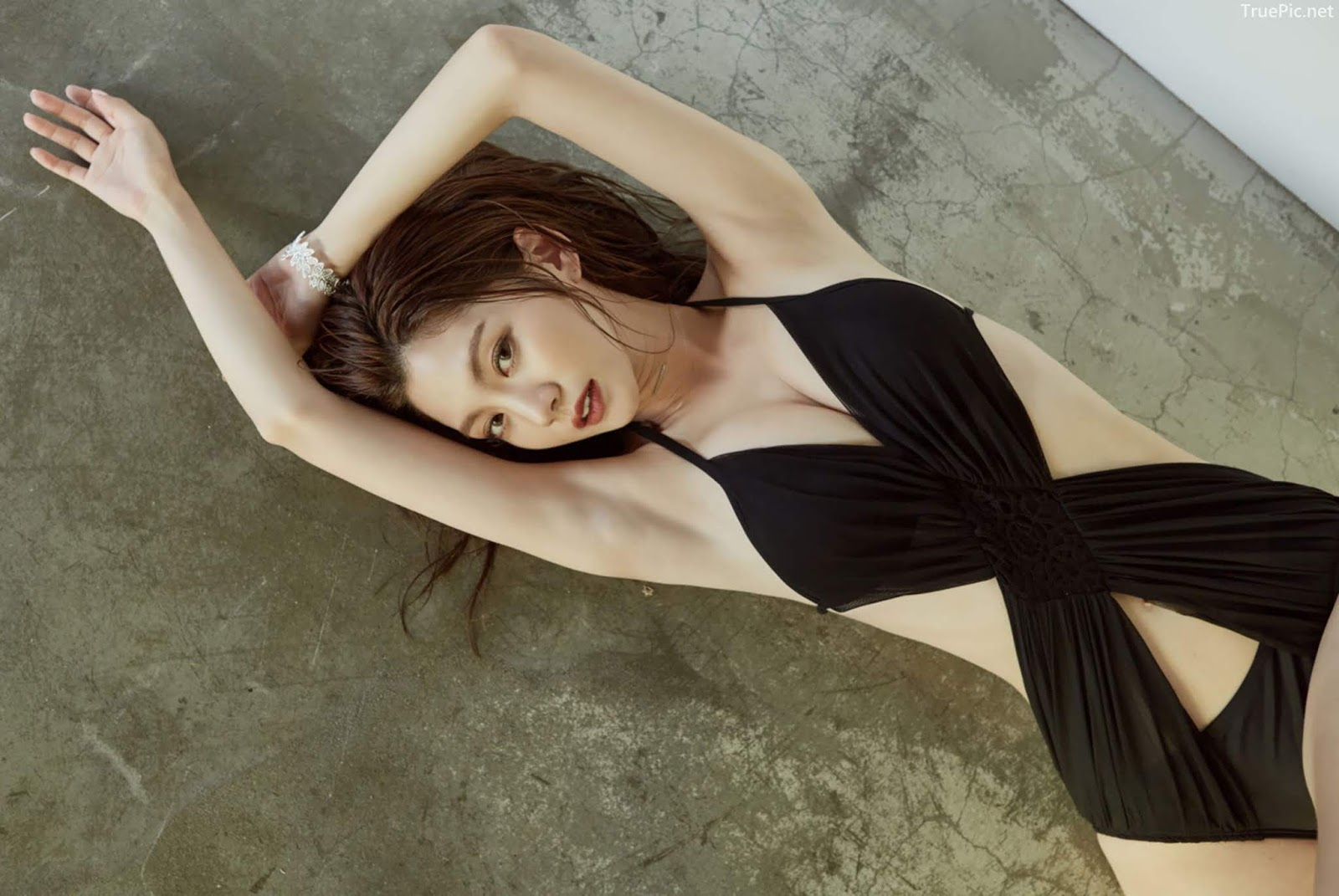 Korean model and fashion - Lee Chae Eun - Monokini for summer vacation - Picture 9
