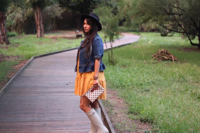 http://silviparalasamigas.blogspot.com.es/2015/09/vestido-mostaza-suiteblanco.html