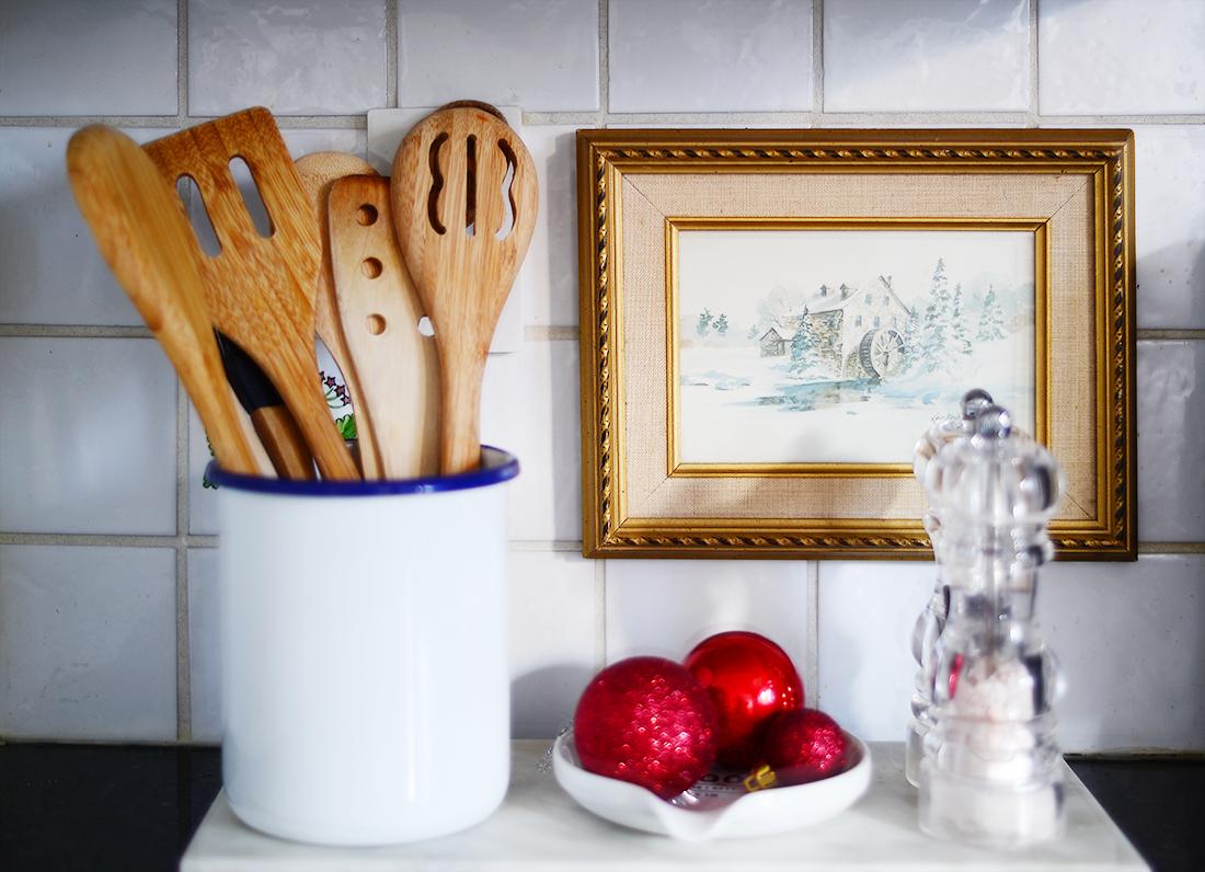 simple kitchen christmas decor, easy kitchen christmas decorations