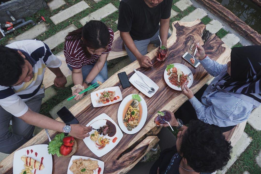 menu cafe merah putih driyorejo